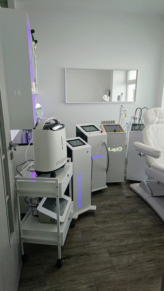Showroom mebli kosmetycznych i urządzeń kosmetycznych Lapio Stalowa Wola 12.