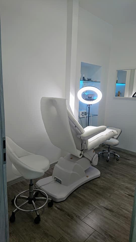 Showroom mebli kosmetycznych i urządzeń kosmetycznych Lapio Stalowa Wola 16.