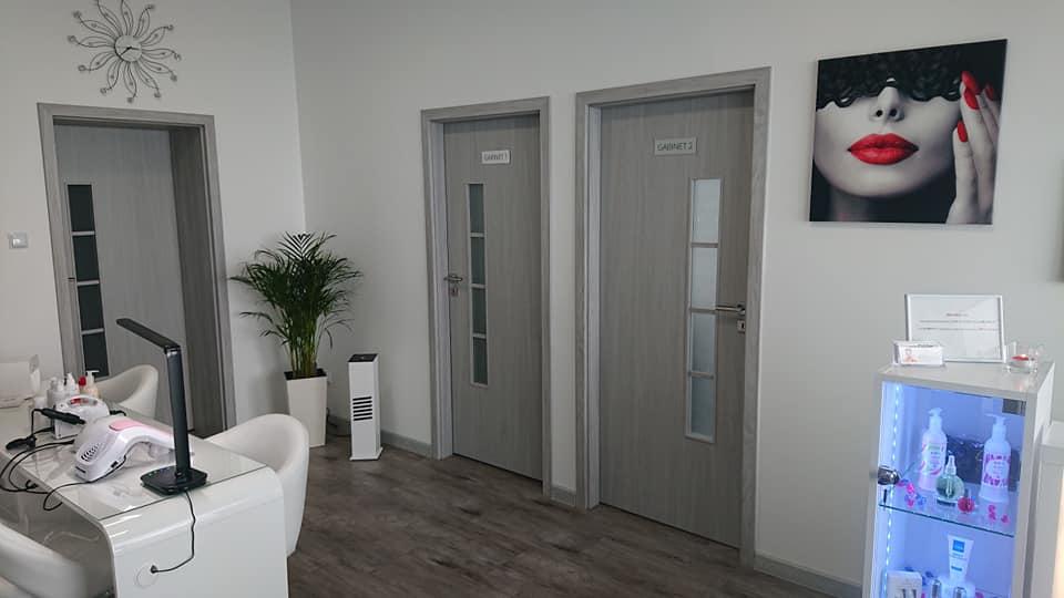 Showroom mebli i urządzeń kosmetycznych Lapio Professional Stalowa Wola 1.